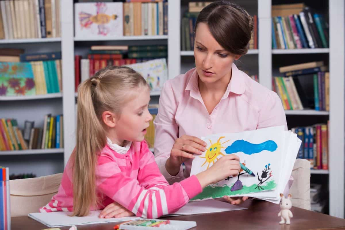 child psychologist discusses drawing a little girl